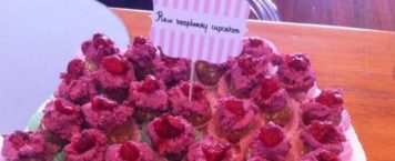 The Cutest Raw Vegan Raspberry Cupcakes