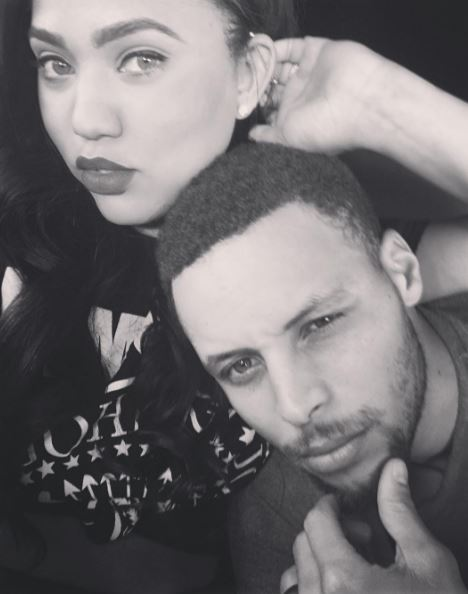 Image ayeshacurry Instagram