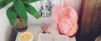 Why You Need a Himalayan Salt Lamp in Your Home Now