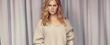 Video: Amy Schumer's Hilarious Take on Receiving Signs From 'The Universe'