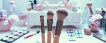 Why and How You Should Clean Your Makeup Brushes